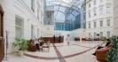 Холл Международной клиники «Медем»